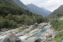 Bild5-Beruehmte-Roemerbruecke-von-Lavertezzo